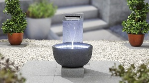 Solitary Pour inc LEDs - Kelkay Water Feature